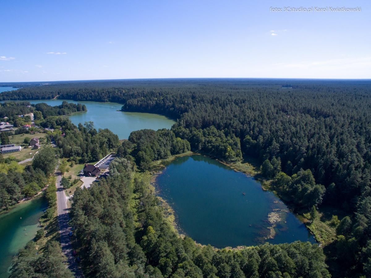 Miejscowość Gawrych Ruda i trzy jeziora: fragmrnt jez. Staw, jez. Czarne i jez. Wigry - Kliknięcie spowoduje wyświetlenie powiększenia zdjęcia